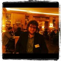 Das Foto wurde bei Journalisten-Club von Maximilian M. am 2/23/2012 aufgenommen