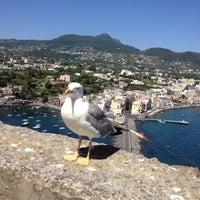 Foto scattata a Castello Aragonese da Нелли Д. il 7/18/2012
