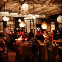 รูปภาพถ่ายที่ La Xina & Luzia โดย Santos P. เมื่อ 4/13/2012