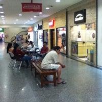 Foto tirada no(a) Miramar Shopping por Caio em 7/7/2012