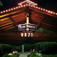 Foto tomada en Karl Strauss Brewery & Restaurant por Stephanie P. el 1/17/2012