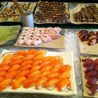 8/8/2012 tarihinde Michele G.ziyaretçi tarafından Hakka Sushi'de çekilen fotoğraf