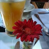 Foto tirada no(a) Oscar Café por Pamela Colpo em 1/29/2012