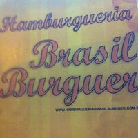 Photo prise au Brasil Burger par Daniela K. le12/13/2011