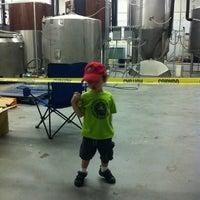 Foto scattata a 3 Stars Brewing Company da Mike P. il 8/25/2012