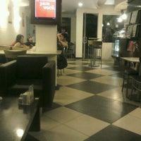 Foto tirada no(a) Fran's Café por Márcio J. em 11/28/2011