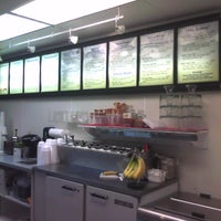 Foto diambil di Scoops Ice Cream & Grille oleh Bobby C. pada 5/14/2011