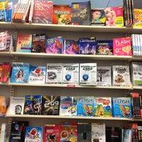 Foto tomada en SE-ED Book Center por LadyBear M. el 8/19/2012
