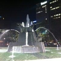 Foto diambil di Victoria Square/Tarndanyangga oleh Bruce M. pada 5/18/2012