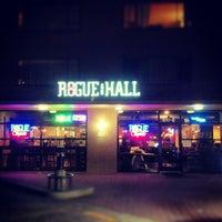 Das Foto wurde bei Rogue Hall von kristien d. am 8/23/2012 aufgenommen