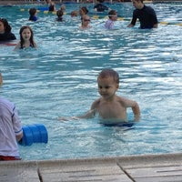 Foto tomada en Sellwood Pool por Erin L. el 7/4/2012