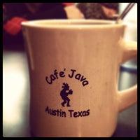Das Foto wurde bei Cafe Java von Ash B. am 12/4/2011 aufgenommen