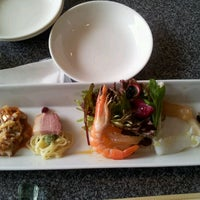 Photo taken at CHINESE CUISINE 綉花 by snoopyx on 2/26/2012