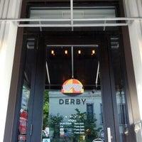 Foto tirada no(a) Derby por Jacqueline S. em 9/10/2012