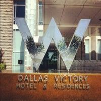 Das Foto wurde bei W Dallas - Victory von Reno N. am 7/31/2012 aufgenommen
