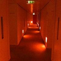 6/19/2012 tarihinde James M.ziyaretçi tarafından St. Martin's Lane Hotel'de çekilen fotoğraf