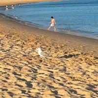 Foto tirada no(a) Praia de Santo Amaro de Oeiras por Farruska em 8/16/2011