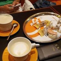 Das Foto wurde bei Cafe Cappuccino von Dan P. am 7/17/2012 aufgenommen