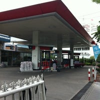 Photo taken at Caltex by Apiluck N. on 7/16/2011