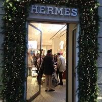 Foto diambil di Hermès oleh Andee Y. pada 12/23/2011