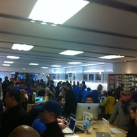 Photo taken at Apple Stamford by Steven E. on 11/12/2011