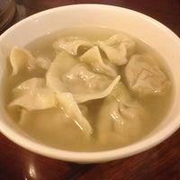 Foto tomada en Peking Dumpling Wong 北京水餃皇 por Leo M. el 7/19/2012