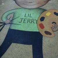 Foto diambil di Jerry's Artarama oleh Christy S. pada 1/9/2011