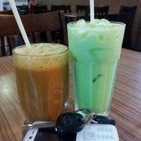 Photo taken at D'Dapur Restoran by Geetha A. on 10/17/2011