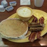 Photo taken at William's Gourmet Kitchen by Reggie W. on 2/21/2012