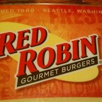 Photo taken at Red Robin Gourmet Burgers by Dustin on 9/11/2011