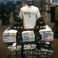 5/1/2011にBrett M.がGeorgia Tech Bookstoreで撮った写真