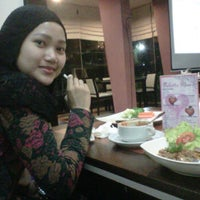 Photo taken at The Paddock Cafe, Resto & Bar by Iqbal H. on 1/28/2012