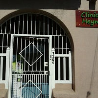 Foto tomada en Clínica Veterinaria Heyne por Constanza C. el 11/5/2011