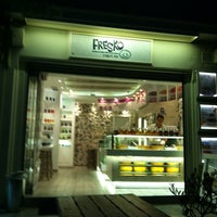 Photo taken at Fresko Yogurt Bar by 💚sofitsa on 5/17/2012