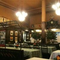 Das Foto wurde bei Kronenhalle von Ariadne A. am 1/23/2012 aufgenommen