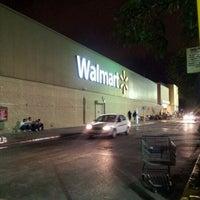 Foto tomada en Walmart por Ricardo G. el 1/7/2012
