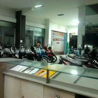 Photo taken at CV. MITRA JAYA - dealer resmi HONDA by Fachrul S. on 5/22/2011