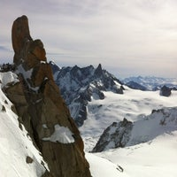 Photo taken at L'Aiguille du Midi (3842m) by Matthieu W. on 3/12/2012