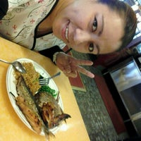 Photo taken at Yummy Buffet by Emee Liezel Q. on 11/29/2011