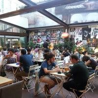 6/27/2012 tarihinde Samet K.ziyaretçi tarafından Thales Bistro'de çekilen fotoğraf