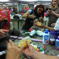 Foto tirada no(a) Doutor Cabelo Infantil por Lucianne C. em 11/17/2011