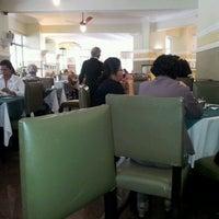 Foto tirada no(a) Hotel San Raphael por Daniela B. em 6/3/2012