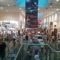 Foto tirada no(a) Shopping Neumarkt por Thiago P. em 12/22/2011