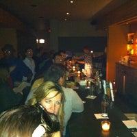 Das Foto wurde bei Tiny Lounge von Mary Kay H. am 11/20/2011 aufgenommen