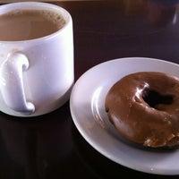 Das Foto wurde bei Top Pot Doughnuts von Andy G. am 9/6/2012 aufgenommen