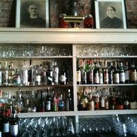 7/17/2012 tarihinde Anita A.ziyaretçi tarafından Oddfellows Cafe & Bar'de çekilen fotoğraf