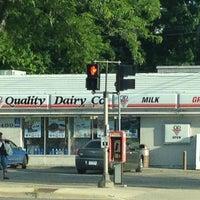 Foto tomada en Quality Dairy por Cindy K. el 6/5/2012