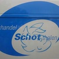 Photo taken at Vishandel Schot Tholen by Herriaan F. on 9/8/2011