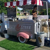 Foto tirada no(a) Salt & Straw por Scott T. em 7/27/2012