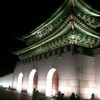 Photo taken at Gwanghwamun by abuMindS on 5/3/2011